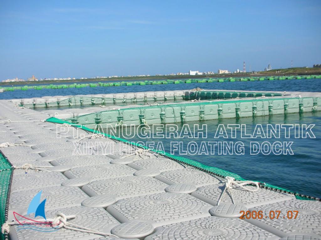 Kolam Renang Apung Kubus Apung HDPE
